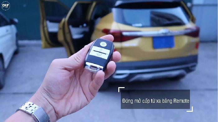Người dùng có thể đóng mở cốp điện từ xa bằng Remote